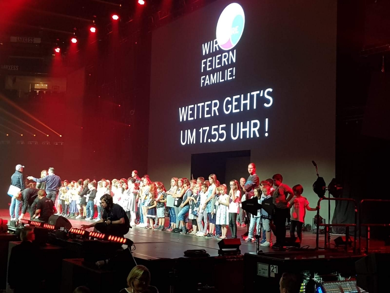 Singen Vor Uber 9 000 Menschen In Der Lanxess Arena Kardinal